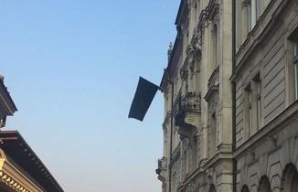 Zwarte vlaggen in Ljubljana