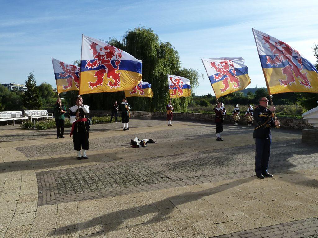 Vaandelzwaaien met de Limburgse vlag